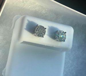 Diamond earrrings for Sale in Chicago, IL
