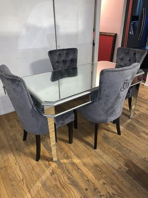 Dining table for Sale in The Bronx, NY