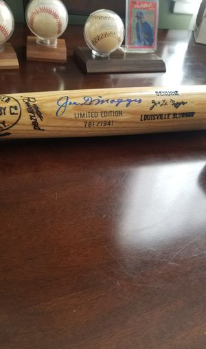 Joe dimaggio autograph baseball bat for Sale in El Monte, CA