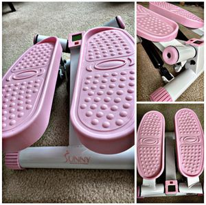 Sunny Health and Fitness Adjustable Twist Stepper, Pink for Sale in Las Vegas, NV