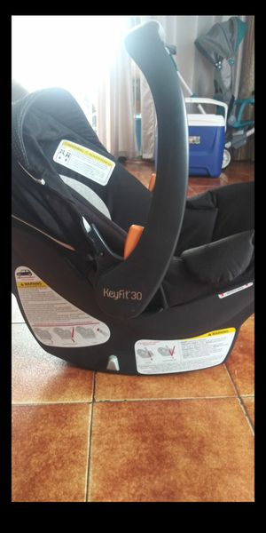 Chicco car seat for Sale in Hialeah, FL
