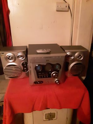 Craig am/FM 3cd player with remote for Sale in Columbus, OH