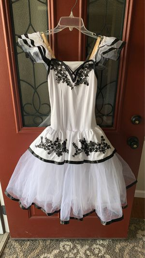 Decorative dance outfit/costume for Sale in Pittsburgh, PA