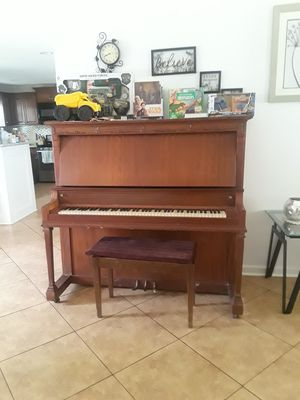 Piano complete afinado for Sale in Houston, TX