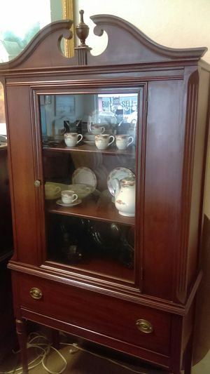 Antique, China. Nothing wrong with it, pick up at 106 west Broadway Fort Meade 33841 for Sale in Lakeland, FL