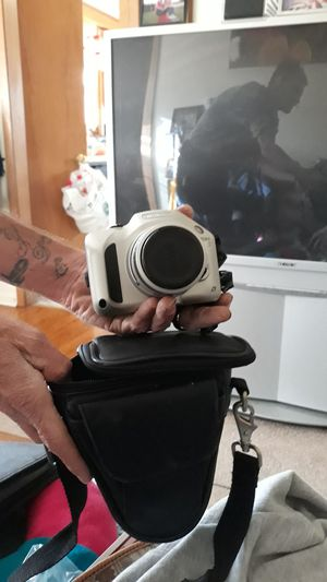 Nikon digital camera, auto focus, with case for Sale in Palatine, IL
