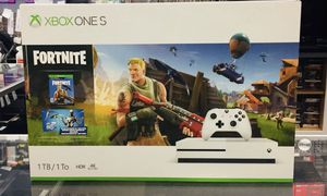 Xbox one s 1TB for Sale in Cleveland, OH