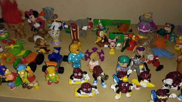 HUGE COLLECTION Cool figures 1980s + 90s. Simpsons, Super Mario Bros,Cali Raisins ect