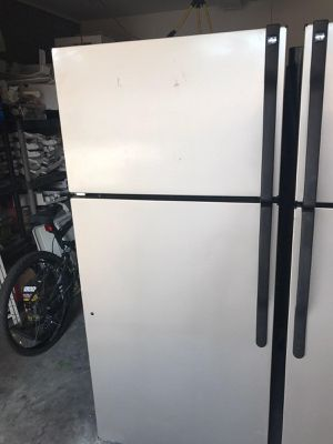 $250 GE stainless 18 cubic fridge includes delivering the San Fernando Valley warranty and installation for Sale in Los Angeles, CA