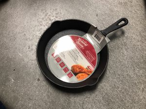 8 inch Cast iron frying pan (brand new!) for Sale in Buena Park, CA