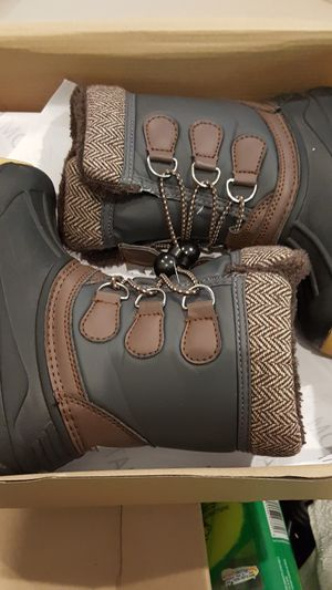 Toddler snow boots for Sale in Glenn Dale, MD