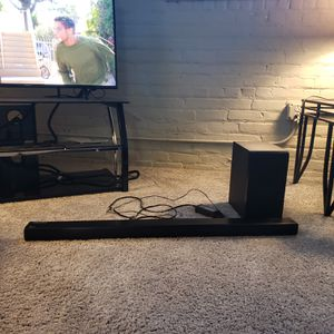 LIKE NEW - LG Wireless Multi-room Sound Bar for Sale in Cleveland, OH