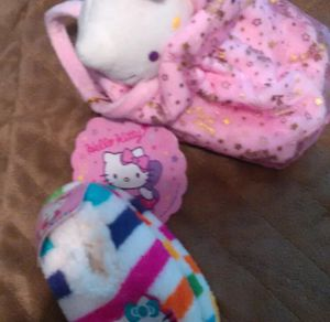 NEW, with tags, toddler size 4/5 girl Hello Kitty slippers and plush purse / handbag for Sale in Bountiful, UT