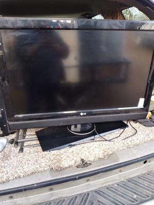 Toi vendindo esta televisión for Sale in Cutler, CA