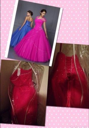 Dress, formal/quinceanera for Sale in Helotes, TX