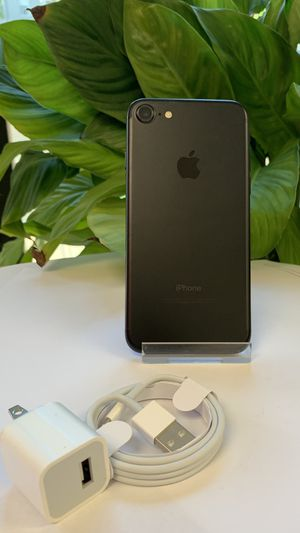 Factory Unlocked Iphone 7 32GB. Excellent Condition. for Sale in Boston, MA