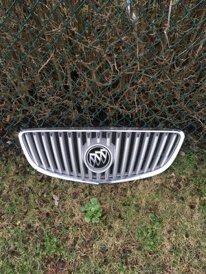Buick onclave grill 2008 -2012 for Sale in McDonald, PA