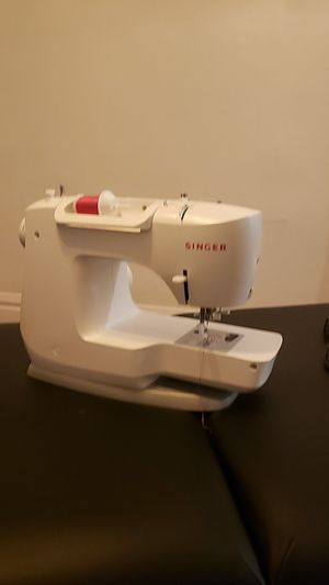 Sewing machine fashion mate singer 👍🎃 for Sale in Los Angeles, CA