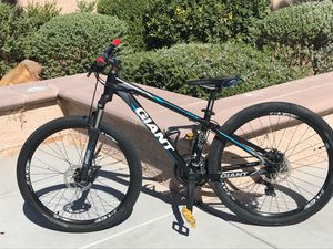 Giant ATX mountain bike for Sale in Las Vegas, NV