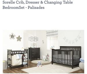 Sorely crib set with dresser and changing table for Sale in Los Angeles, CA