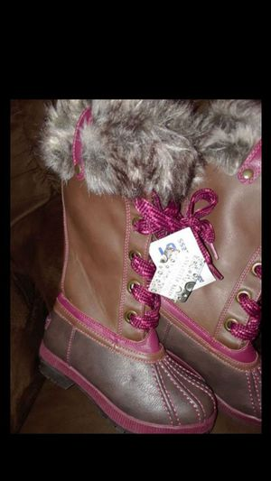 """""""LONDON FOG"""" GIRL'S FUR BOOTS ( SIZE 13) 😉BRAND NEW for Sale in Fort Worth, TX"""