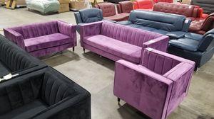 3pc velvet set. New in box. 3 colors for Sale in Chino, CA