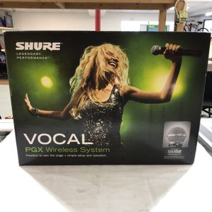 Shure BLX4R & BLX1 K12 Wireless Mic System With Case 88743-33 for Sale in Tampa, FL