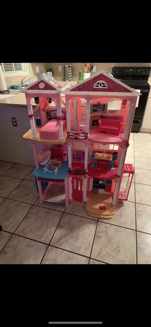 Doll house with accessories for Sale in Miami, FL