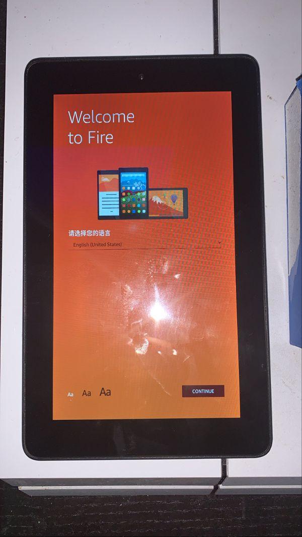 Amazon Fire 7 Tablet / Google Chromecast (1st Gen) Bundle