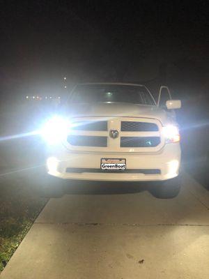 2013 Dodge Ram 1500 fog light is 9006 for Sale in Buena Park, CA