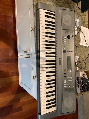 Yamaha YPT-310 Piano Keyboard for Sale in Tampa, FL
