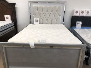 Queen bed frame with led light for Sale in Elgin, IL