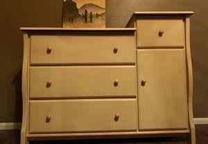 Delta kids baby changing table/dresser for Sale in Scottsdale, AZ