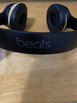 WIRELESS BEATS EARPHONES for Sale in Montclair, CA