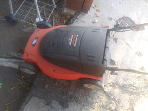 Black & Decker lawn mower for Sale in Azusa, CA
