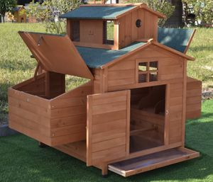 Large Chickén Hoúse holds 6 to 10 Chickéns with 6 nésting boxes for Sale in Cartersville, GA