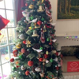 7ft Christmas Tree W/ Lights(ORNAMENTS NOT INCLUDED) for Sale in Richardson, TX
