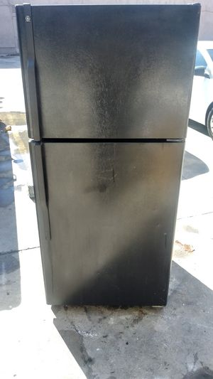 Fridge - Black Apt. Size - with delivery for Sale in Gardena, CA