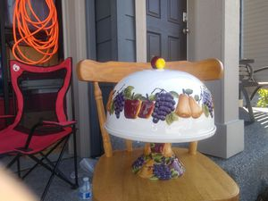 Cake plate with cover. for Sale in Marysville, WA