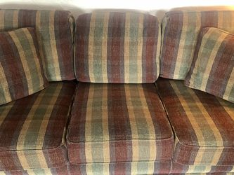 Couch And coffee table for Sale in McDonald,  PA