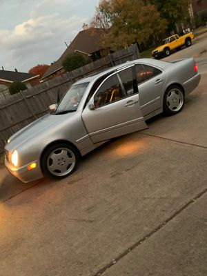 Very clean 2001 Mercedes e class for Sale in Mesquite, TX