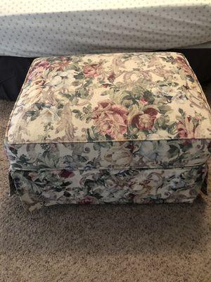 4 piece Floral living room set for Sale in Surprise, AZ