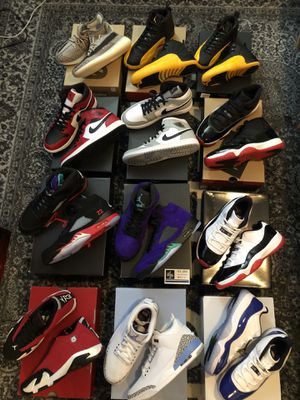 Jordan's and yeezys for sale zyons 12s grape 5s concord unc toro top3 5s Jordan 1 mids Chicago smoke greys all ds various sizes for Sale in Bellevue, WA