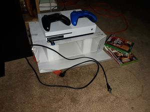 Xbox one, 2 controllers, 2 games for Sale in US