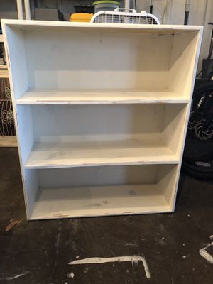 Book shelf for Sale in Kolin, LA