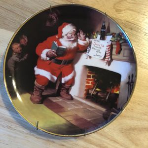 """Coca Cola Christmas Plate """"The Pause That Refreshes"""" #G1045 for Sale in Frostproof, FL"""