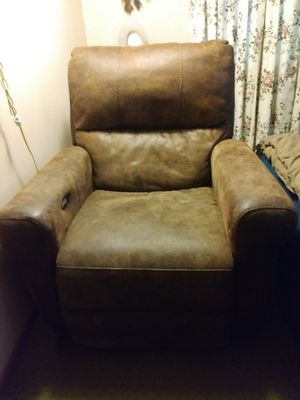 Electric recliner for Sale in Erie, PA