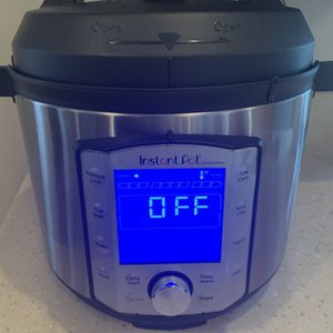 instant pot duo evo plus 6 quart/ No insert for Sale in Hickory Hills, IL