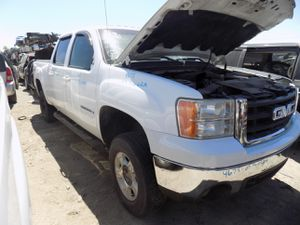 2007 GMC Sierra 1500 5.3L (PARTING OUT) for Sale in Fontana, CA
