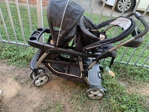 Graco Double stroller with car seat for Sale in Dallas, TX